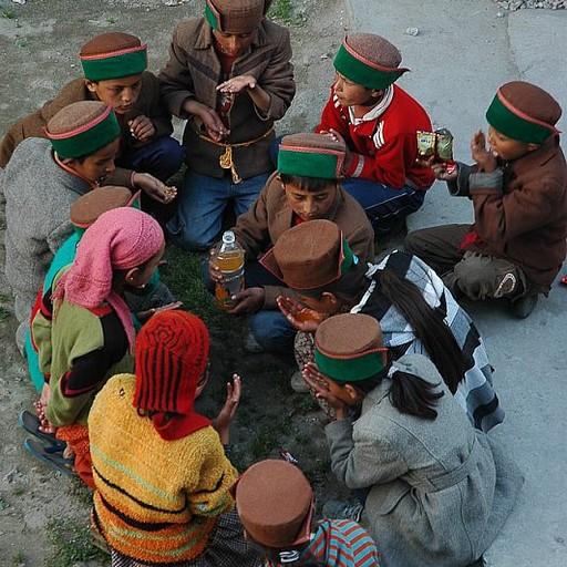 ילדים שותים קינלי במעגל, המזיגה לידים!