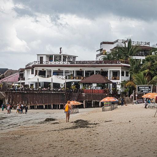 חוף נונגווי, בדיוק ממול מסעדת Cinnamon
