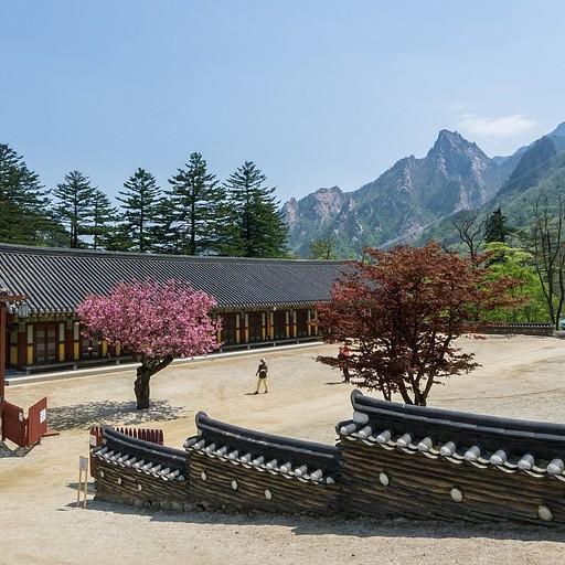 המקדש Shinheungsa