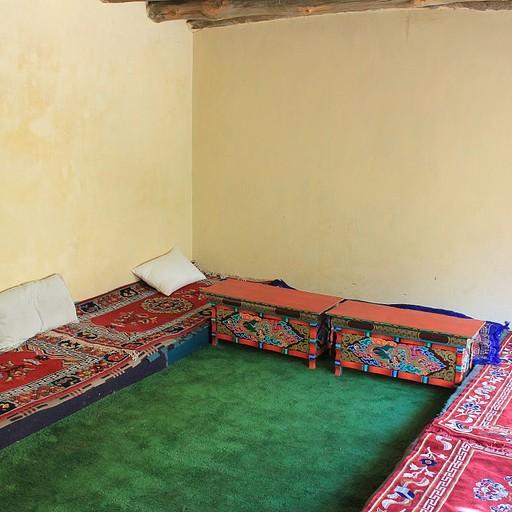 החדר שלנו בהום סטיי ב-Skiu