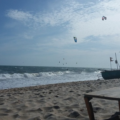 קייט סרפינג על החוף