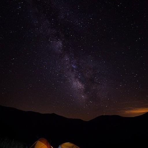 לילה בהיר ומלא כוכבים ליד בקתת Goriz