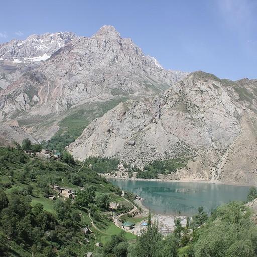 הנוף לאגם השישי