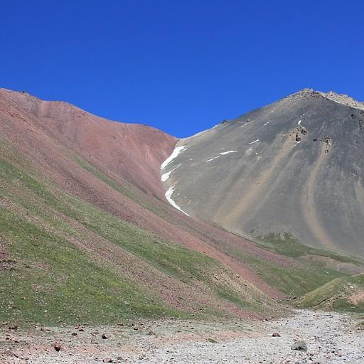הערוץ האחורי ממנו טיפסנו לגבעה האדומה