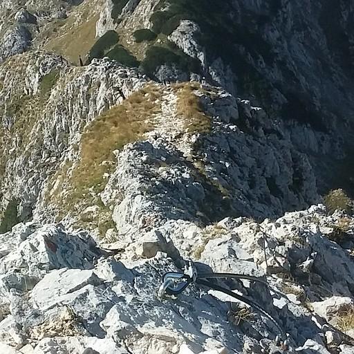 """""""הסכין"""" של רכס הדובים - מבט מ Južni vrh לכיוון האוכף"""