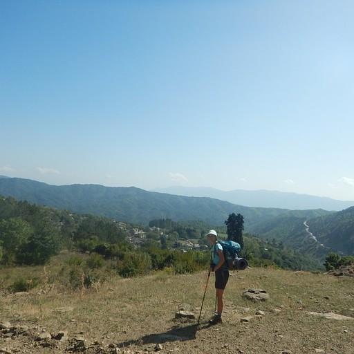 רואים את הכפר לקראת סיום ההליכה