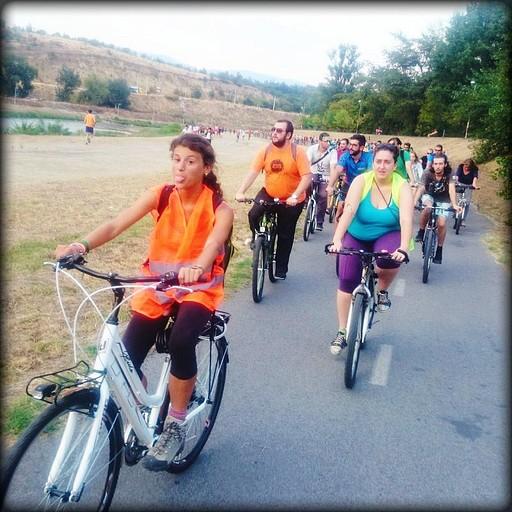 מסע אופניים לאורך הנהר