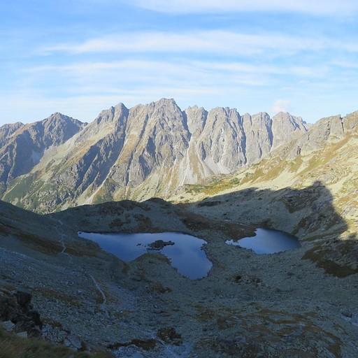 שני האגמים שבדרך לפסגה
