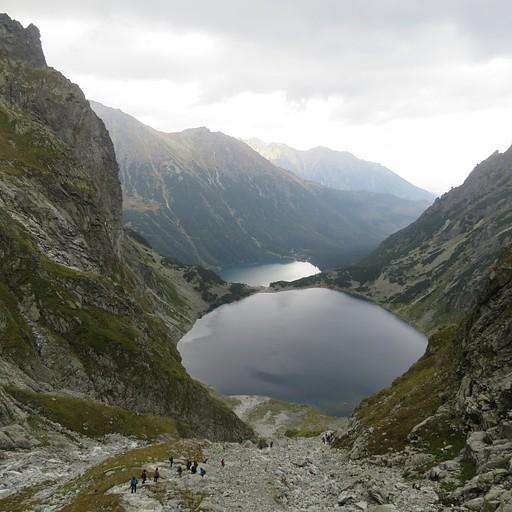 שני האגמים, העליון czarny staw והתחתון morskie oko
