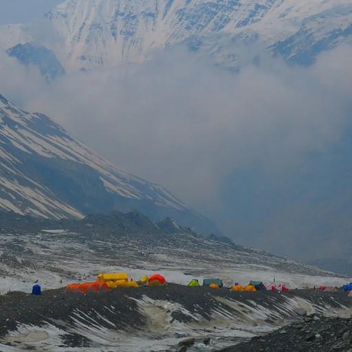 הבייס קמפ של הר הדאולגירי