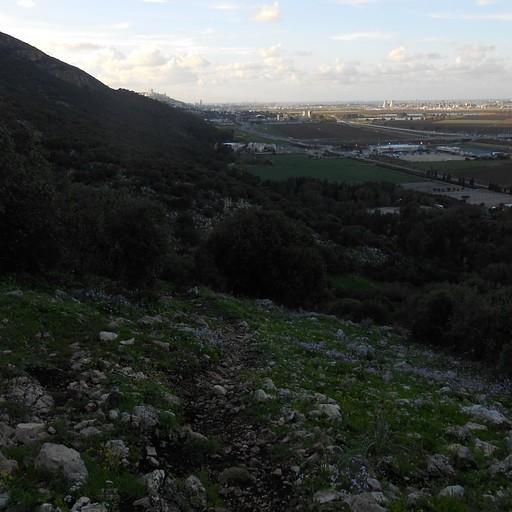 שקיעה על מפרץ חיפה, בסוף המסלול