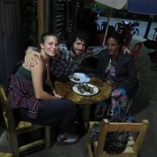 מסעדת הדגים באוואסה עם אזאנה