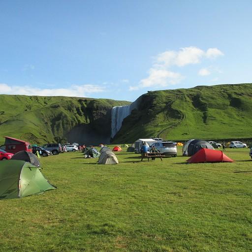 קמפינג באיסלנד