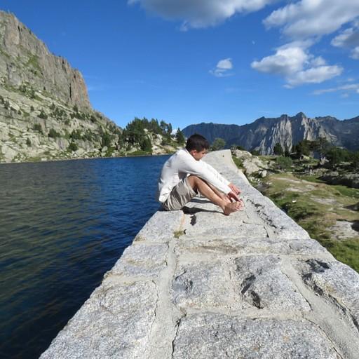 האגם שנמצא בסמוך ל-d'Amitges