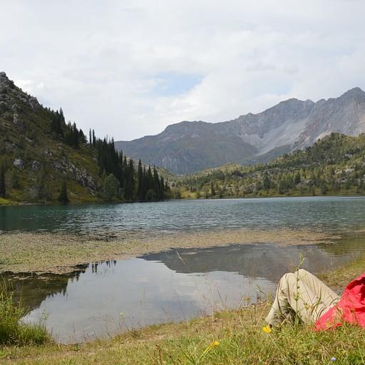 האגם השני שלצידו ישנו
