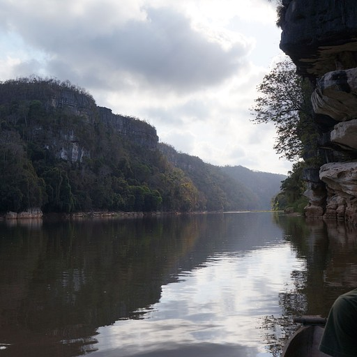 שטים על נהר Manambolo