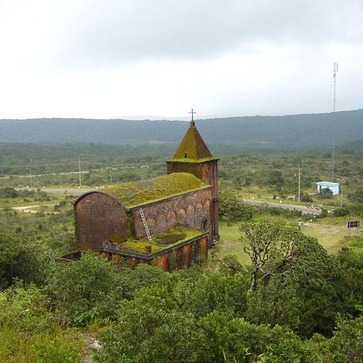 הכנסייה העתיקה בגבעת בוקור