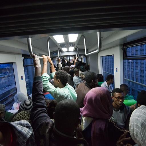 הרכבת הקלה באדיס אבבא - חוויה מגניבה וצפופה