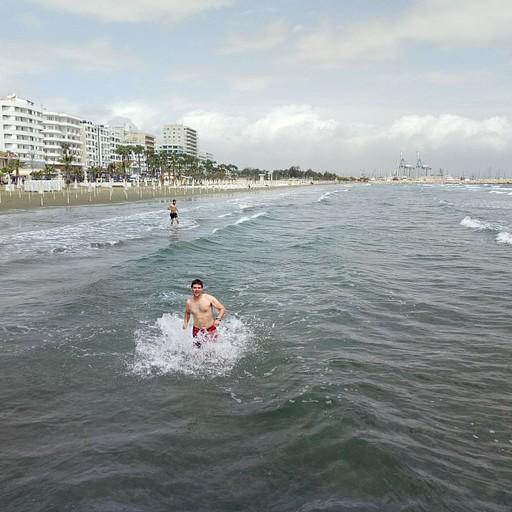 חוף הים בלרנקה- היה קר!!