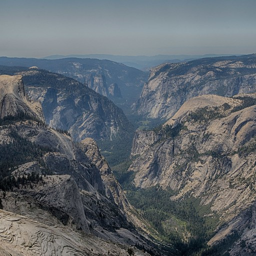 התצפית מClouds Rest לכיוון הYosemite Valley