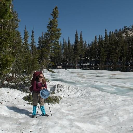 האגם הקפוא בתחילת היום