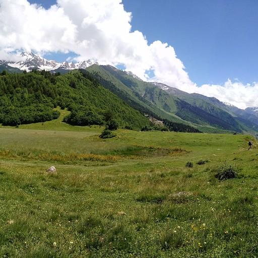שיא הגובה ליום הזה. בקצה העמק שמימין, נמצא הכפר זאבשי.