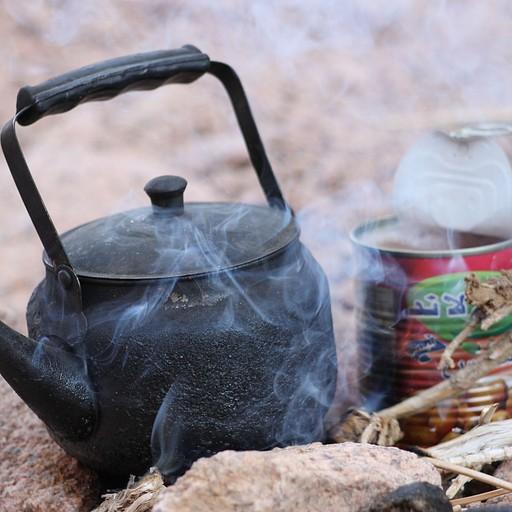 ארוחת בוקר - פול משימורים, פיתות ותה חם