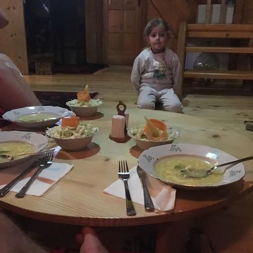 ארוחת ערב (זאת הילדה של ארמנד)