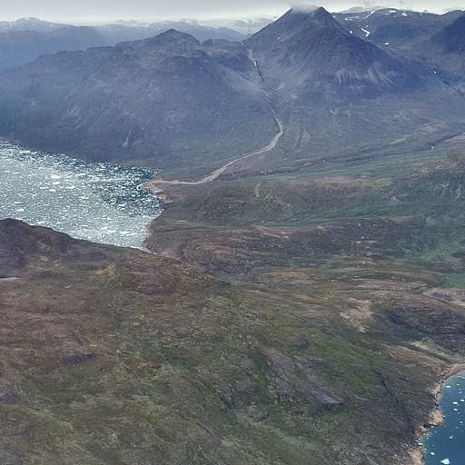 נוף מהטיסה מ-Nuuk אל Narsarsuaq