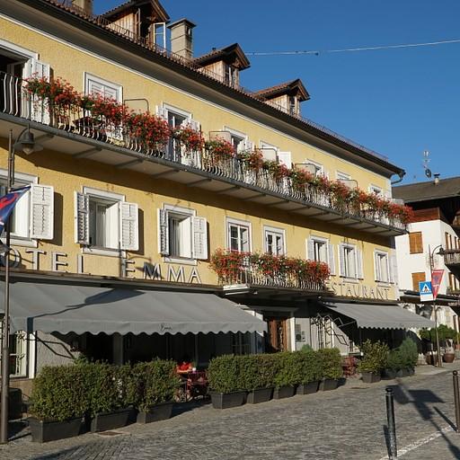מלון Emma Historic Hotel בעיירה villabassa