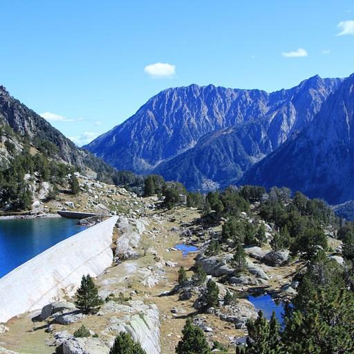 האגם ליד בקתת Amigtes