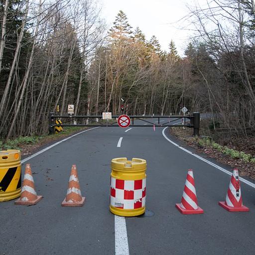 """הכביש החסום המוביל לשמורה - 3 ק""""מ"""