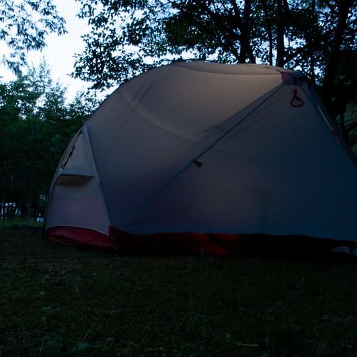 האוהל בקמפינג בkoguchi