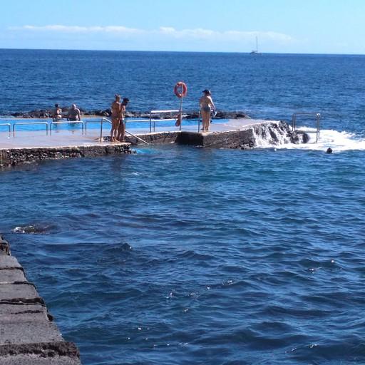Caloura, Agua de pau