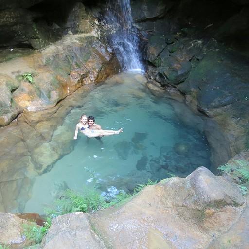 הבריכה הכחולה