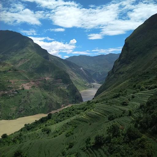 נוף נהר הינגצה שנשקף מבאושן