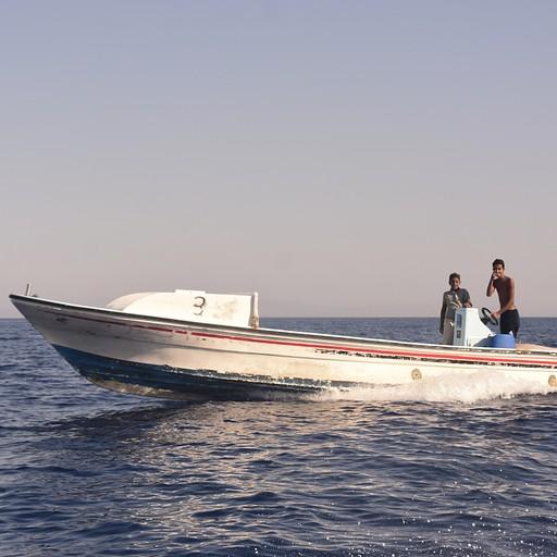 """הסירות לראס אבו גלום ע""""י נהיגת ילדים"""