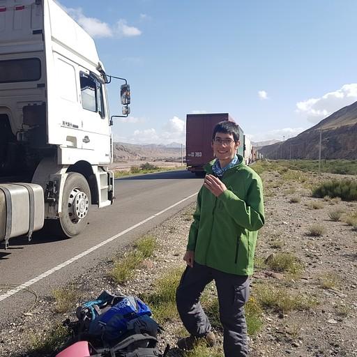 פקק משאיות - עוברים להליכה