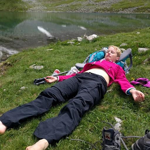 מדיטציה באגם