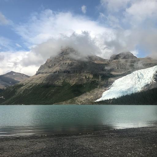 Berg lake מ-marmot campground.