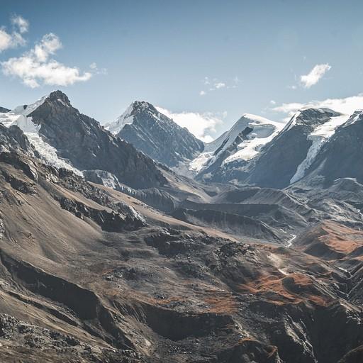 מבט פנורמי אל ההרים מסביב