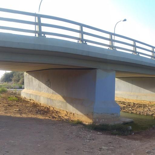 השער האחרון - גשר כביש מספר 4 - אחרי השער מגיעים לחוף ראש הנקרה - אכזיב