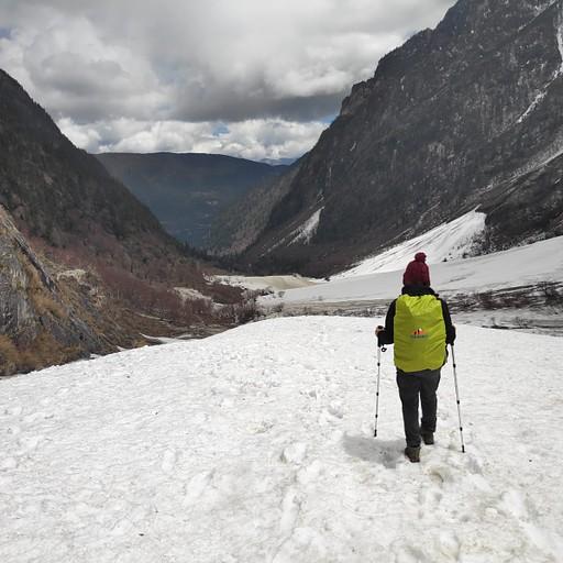 השבילים התמלאו שלג