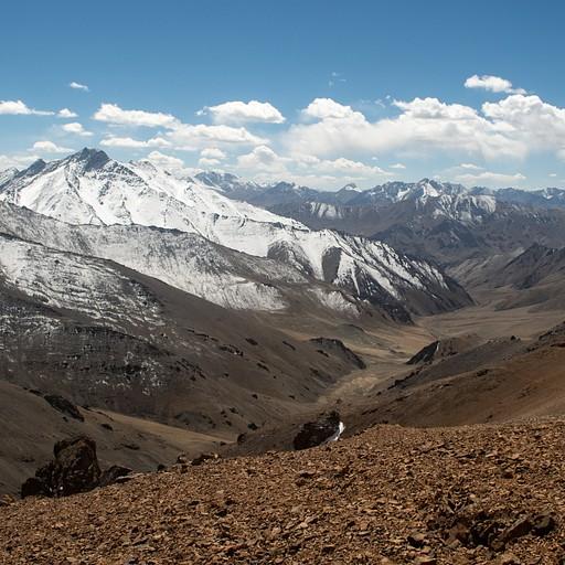 הנוף מהפאס לעמק מדיין