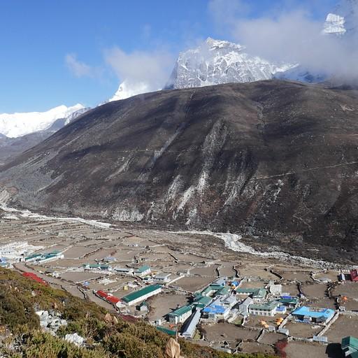 דינגבוצ'ה מהירידה מההר