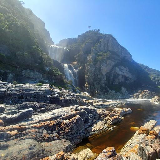 המפל ב-Tsitsikama park
