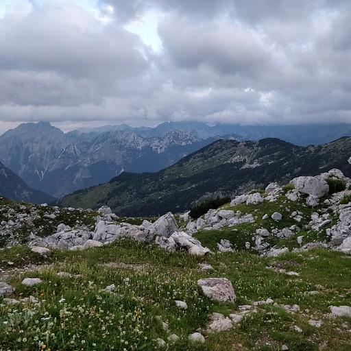 הנוף מבקתת Prehodavcih בבוקר