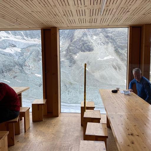 חדר האוכל החדש מבפנים