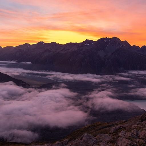 זריחה מדהימה מעל העננים