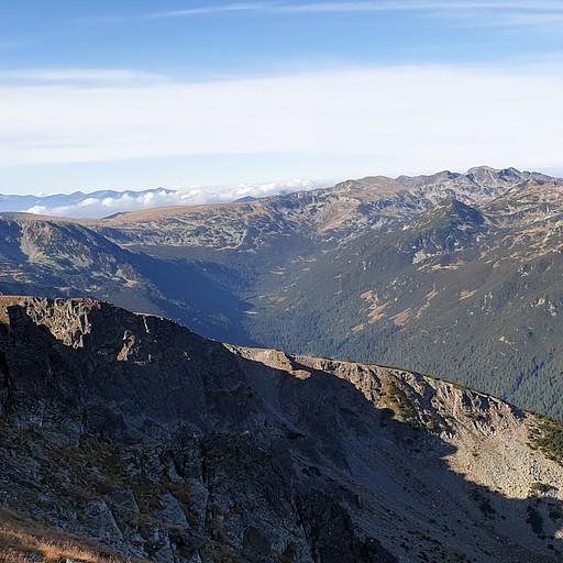 רכסי הרים באופק לאחר העלייה